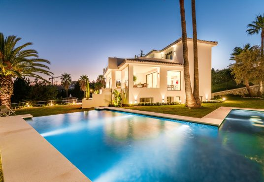 Luxury Family Home In Los Naranjos Golf Nueva Andalucia