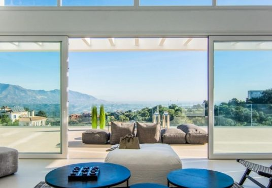 modern-villa-for-sale-marbella-east1