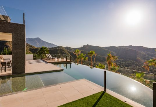 luxury-villa-for-sale-la-quinta-benahavis