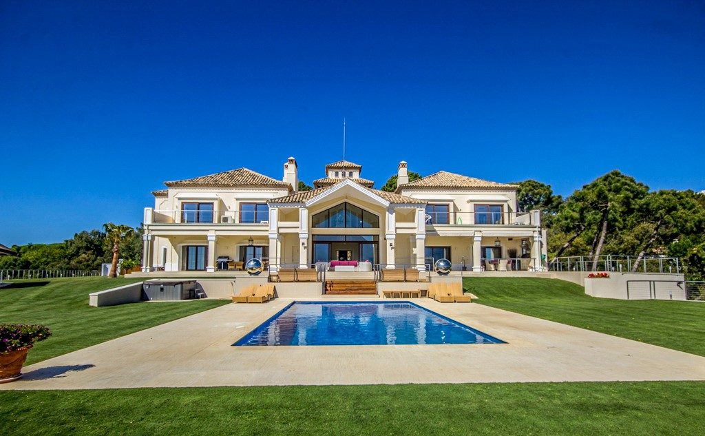 stunning-and-prestigious-villa-for-sale-in-la-zagaleta-costa-del-sol1