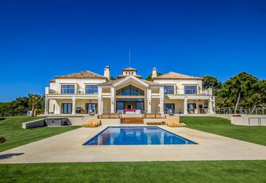 stunning-and-prestigious-villa-for-sale-in-la-zagaleta-costa-del-sol1